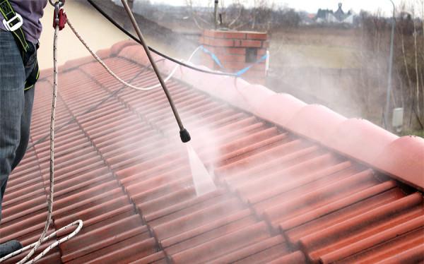 Mycie/czyszczenie dachu