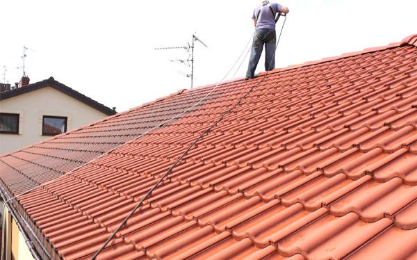 Dach w trakcie mycia