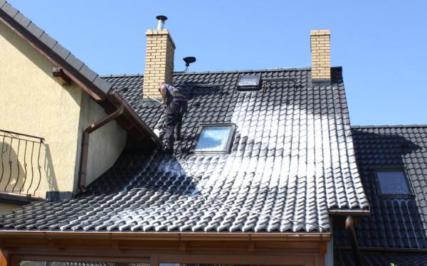 w trakcie mycia dachu 12