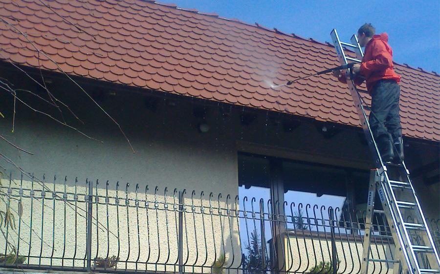 w trakcie czyszczenia dachu 02